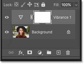 لایه تنظیمات بالای تصویر در صفحه لایه های فتوشاپ ظاهر می شود